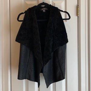 Karen Kane black faux leather/fur vest
